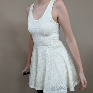 Express cream lace dress size XS